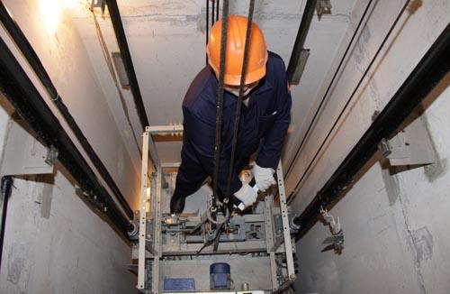 В следующем году в Новомосковске планируется ремонт 25 лифтов