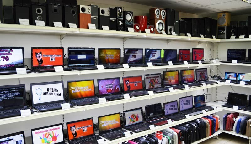 В Новомосковске обокрали компьютерный супермаркет