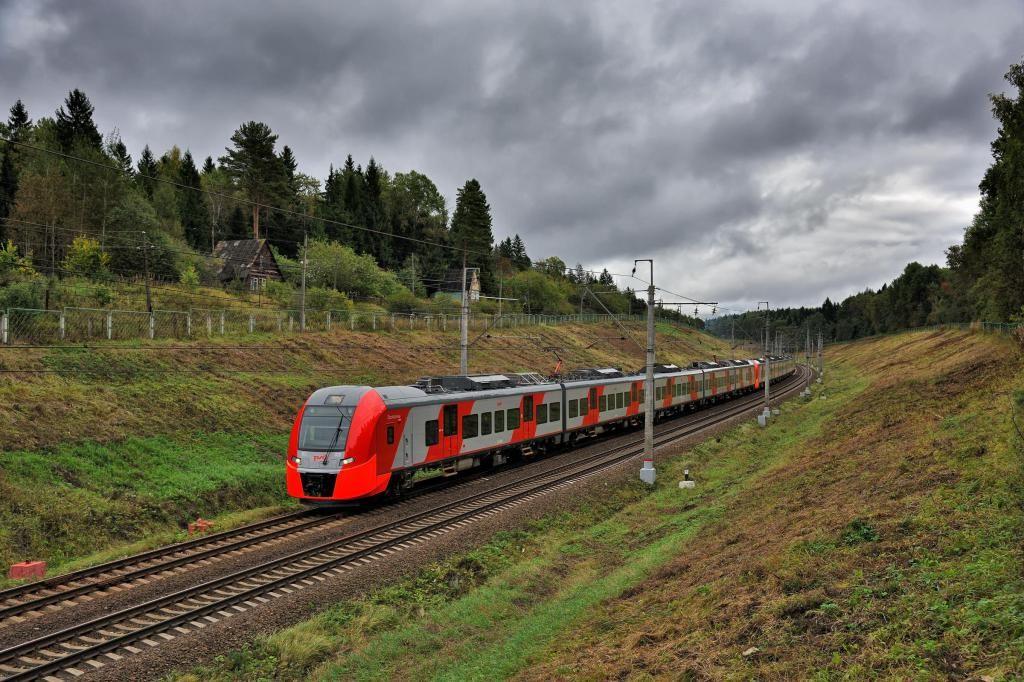 Опрос: Удобно ли добраться из Новомосковска до Москвы на поезде?