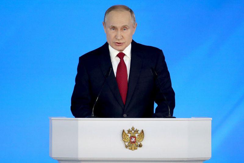 Путин предложил выплачивать маткапитал  после рождения первого ребенка