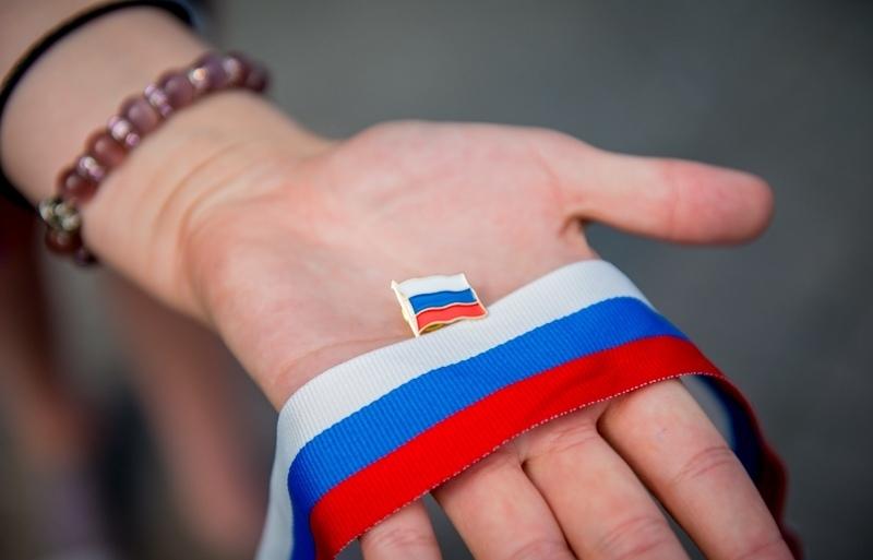 Жителям Тульской области раздадут ленты с триколором