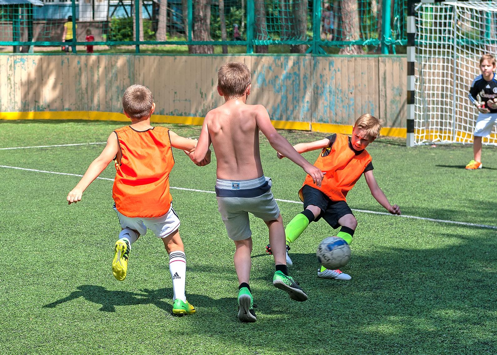 Объявляется прием заявок на дворовый футбол